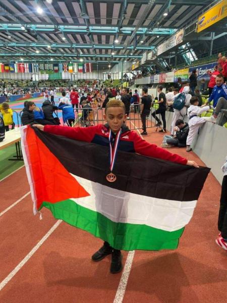 بطل التايكوندو الفلسطيني نور السويطي يفوز بالميدالية البرونزية في بطولة اوروبا
