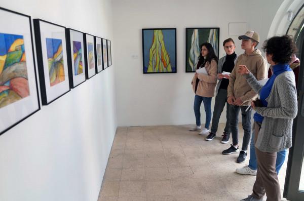 طلبة العمارة الداخلية بالجامعة العربية الأمريكية بزيارة ميدانية لمركز خليل السكاكيني الثقافي