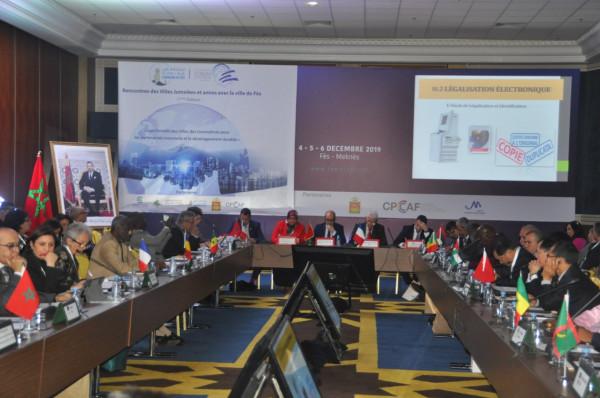 بلدية الخليل تُشارك في الملتقى الدولي السابع للمدن المتوأمة بالمغرب