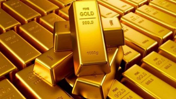 الذهب يسجل تغيرًا طفيفًا قبيل اجتماع المركزي الأمريكي