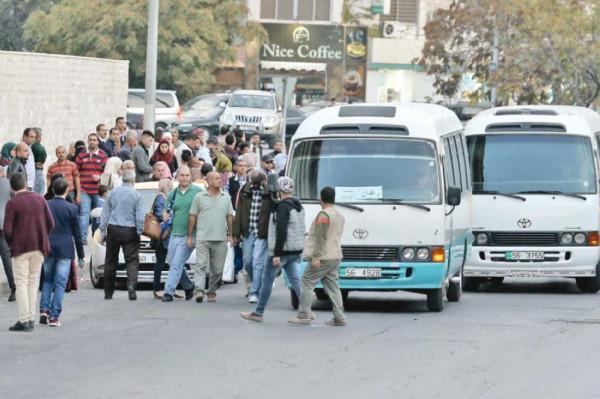 تحديث أسطول النقل العام على المعابر بين فلسطين والأردن