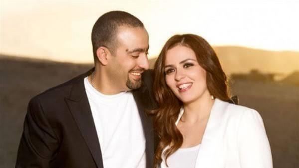 بعد شائعة طلاقهما.. زوجة أحمد السقا تكشف سر رفض والدها الزواج منه