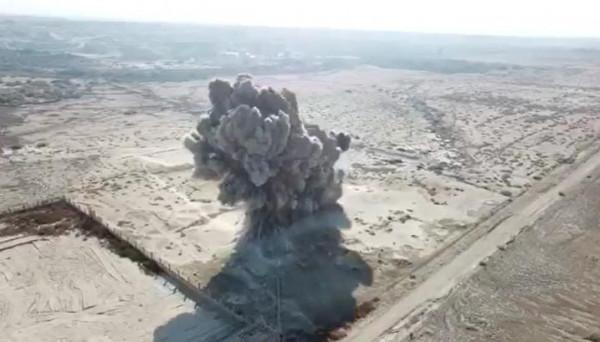 شاهد: لحظة تفجير (446) لغماً قديماً بأرض الأديرة شمال البحر الميت