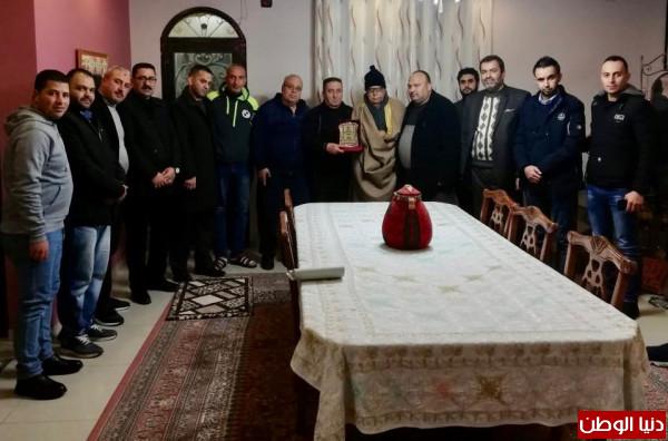 حركة فتح تبدأ حملة عزّوتنا لزيارة العائلات في سلفيت