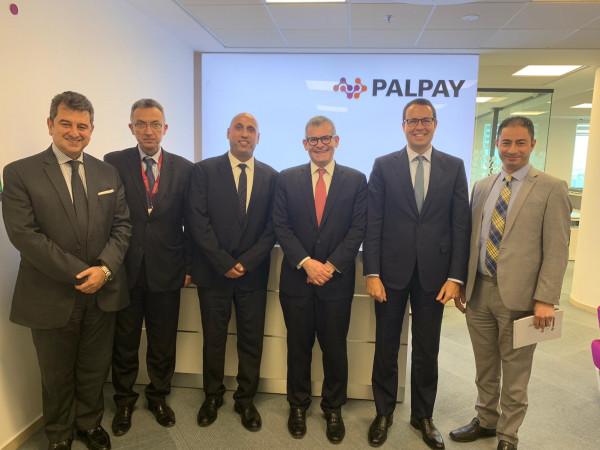 رئيس مجلس إدارة بنك إنجلترا المركزي يزور PalPay