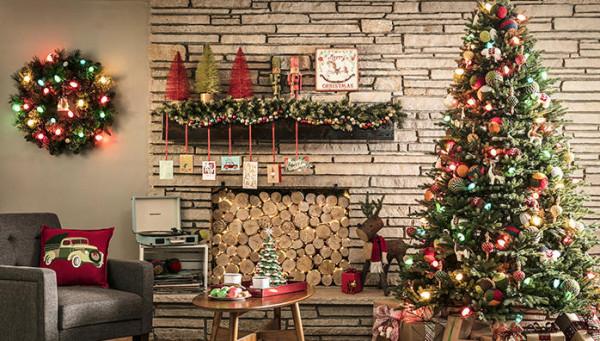 """طريقتان لصناعة شجرة الكريسماس في المنزل بـ""""بساطة"""""""