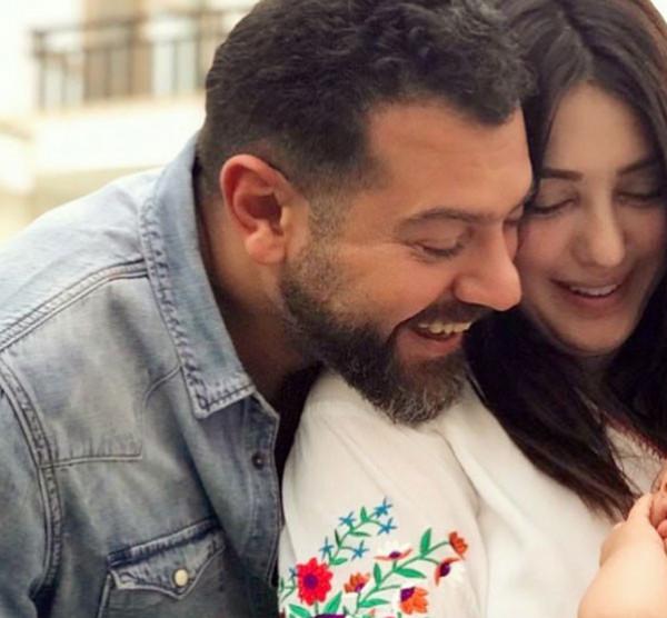 ابنة كندة علوش في نزهة مع والديها
