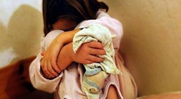 مصر.. عجوز يغتصب طفلة 12 عامًا أثناء تحفيظها القرآن حتى حملت منه