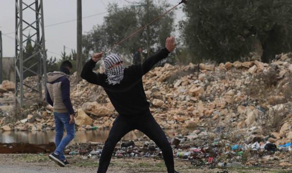 قلقيلية: عشرات الاصابات بالاختناق خلال قمع جيش الاحتلال لمسيرة كفر قدوم