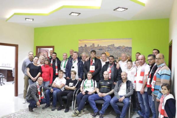 مركز شباب الأمعري يستضيف وفداً رياضياً بولندياً