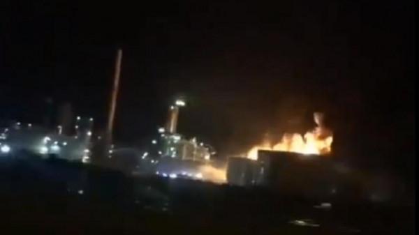 شاهد: حريق ضخم داخل مصفاة نفط في فرنسا