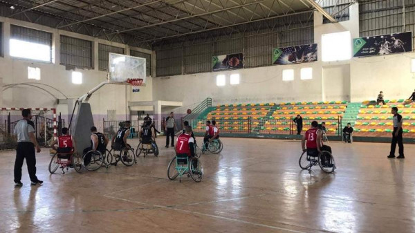 نادي السلام يقترب من التتويج بلقب دوري السلة على الكراسي المتحركة