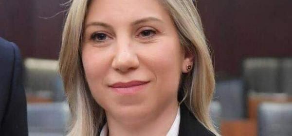 """""""عقبال عنا"""".. نائبة لبنانية تُشيد بقرارات الرئيس عباس بشأن المرأة الفلسطينية"""