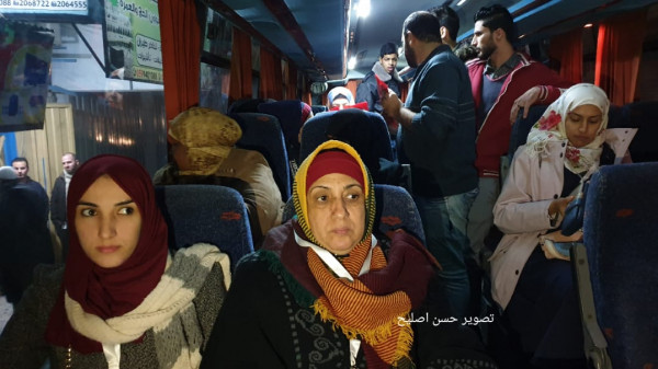 صور: مغادرة فوج معتمري غزة الأول
