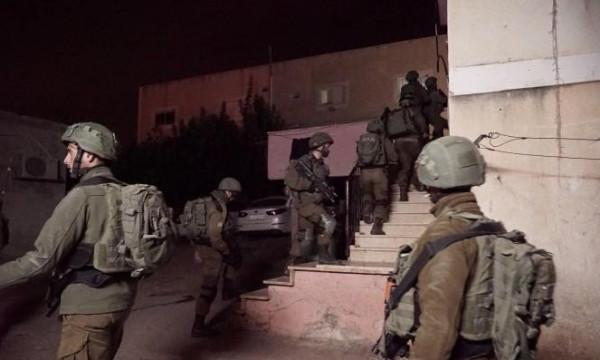 الاحتلال يعتقل 22 مواطناً على الأقل من الضفة