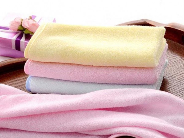 """للحفاظ على """"فوط التنظيف"""".. إليكِ 6 نصائح مهمة"""