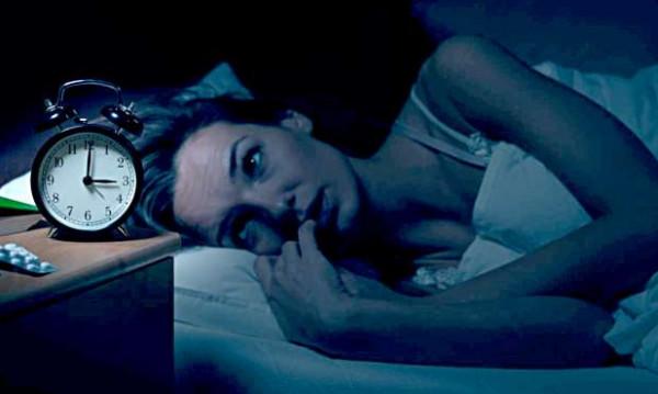 """5 معلومات عن """"ساعة الشيطان"""".. لماذا يستيقظ البعض في الثالثة صباحاً؟"""