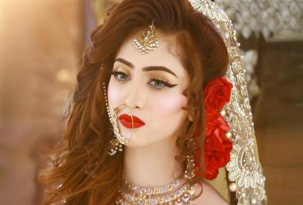 تسريحات عرايس فخمة هندية للشعر الطويل والكثيف