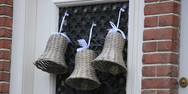 أجراس أو أكليل من الورد.. أفكار مختلفة لتزيين المنزل فى رأس السنة