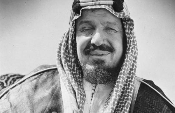 وثيقة نادرة تكشف ماقاله الملك عبدالعزيز عندما أشار بيده لحفيد السلطان العثماني
