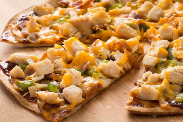 طريقة عمل البيتزا بالدجاج 9999017677