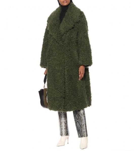 المعطف يتألق بألوان فاتحة هذا الشتاء 9999019276