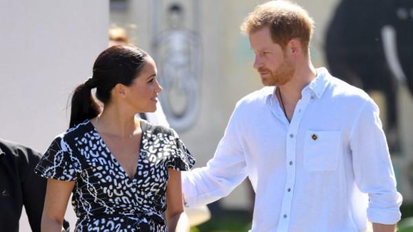 بعد تخليهما عن المهام الملكية.. هل يترك هاري وميغان ماركل العيش في بريطانيا؟