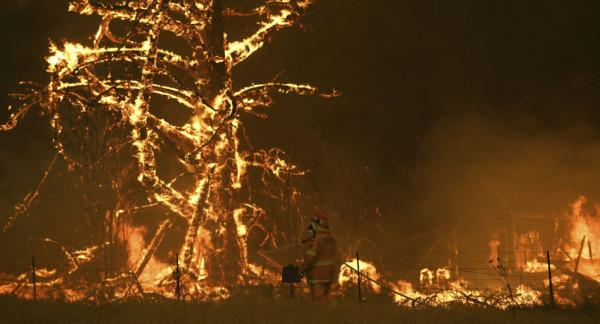 اجلاء جماعي آخر بعد اندلاع حرائق الغابات مرة أخرى باستراليا
