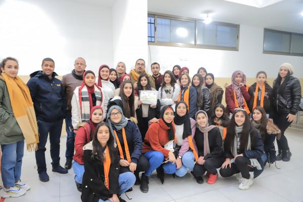المبادرة الوطنية الفلسطينية تخرج ناشطات مخيمها الشتوي في مخيم الدهيشة