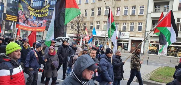 الديمقراطية تشارك في المسيرة السنوية بذكرى روزا لوكسمبروغ وكارل ليبكنخت