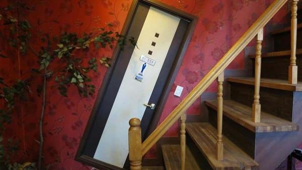 شاهد: تصميمات غير مألوفة لأبواب الغرف