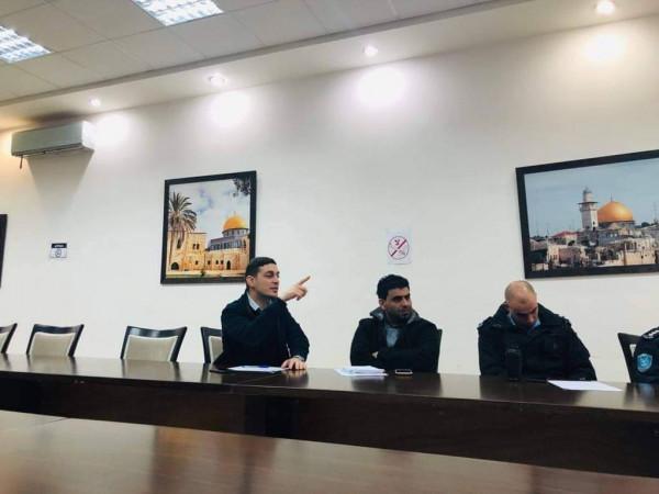 عقد اجتماع تعديل نظام الملاهي العمومية من قبل بلدية أريحا