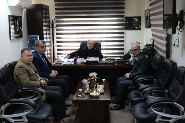 هيئة الأسرى وبنك فلسطين يعقدان لقاءاً تشاورياً لتحسين مستوى الأداء وتطويره