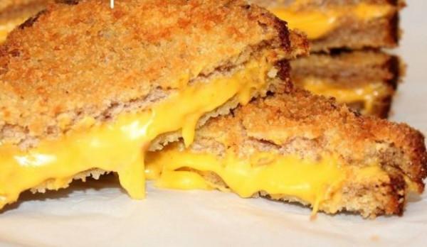 طريقة عمل ساندوتش الجبنة المقلية