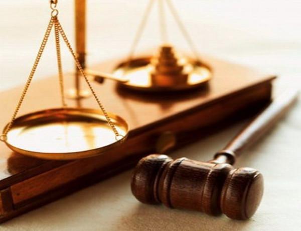 لماذا يُفضّل المواطنون بغزة اللجوء للقضاء العشائري على المحاكم؟