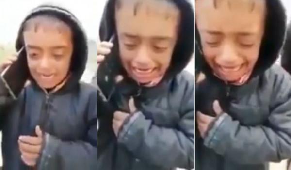 فيديو يشعل الغضب لشخص يستهزئ بطفل عراقي يتيم الأم ويوهمه بمحادثتها