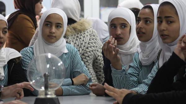 الجمعية الطلابية لعلوم الفيزياء بجامعة النجاح تطلق مشروع سابا سكول لطلبة المدارس