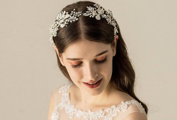 طُرق طبيعية مضمونة لتكثيف شعر مقدمة الرأس قبل تسريحة الزفاف