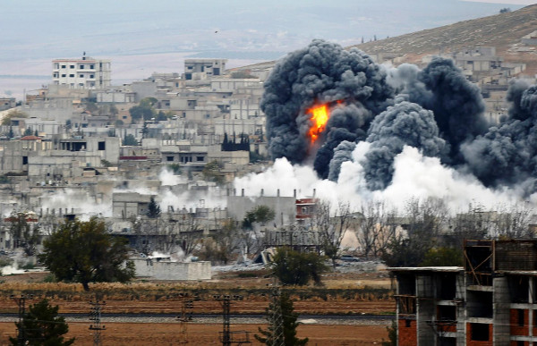 وزارة الدفاع الروسية تنفي قصف مقاتلاتها أهدافا مدنية في إدلب السورية