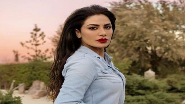"""صبا مبارك تثير ضجة بفيديو رصدها """"تغمز"""" لتيم حسن"""