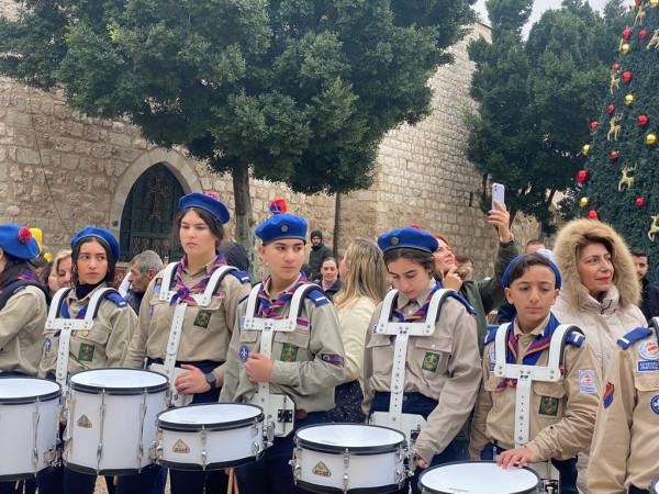 صور: الكنيسة الأرمنية الأرثوذكسية تحتفل بعيد الميلاد وعيد الغطاس