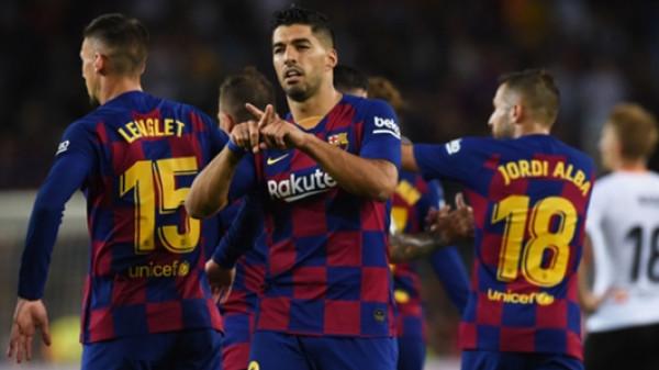 هل استقر برشلونة على التعاقد مع بديل سواريز