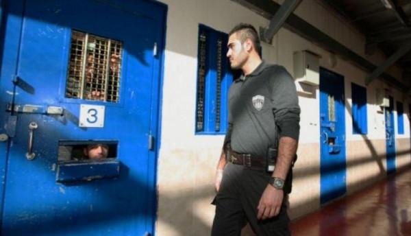 المعتقل القاصر مصعب أبو غزالة محتجز بالعزل الانفرادي لليوم (27) على التوالي