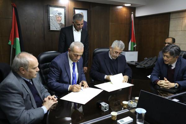 الحكم المحلي وقطر الخيرية توقعان مذكرة بخصوص مشروع إدارة النفايات الطبية بغزة