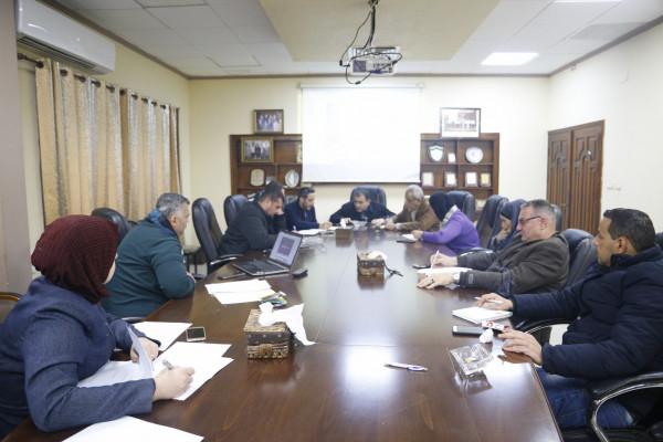 بلدية قلقيلية تستضيف اجتماعاً لمناقشة استعدادات الحديقة لانطلاق موسم الرحلات المدرسية