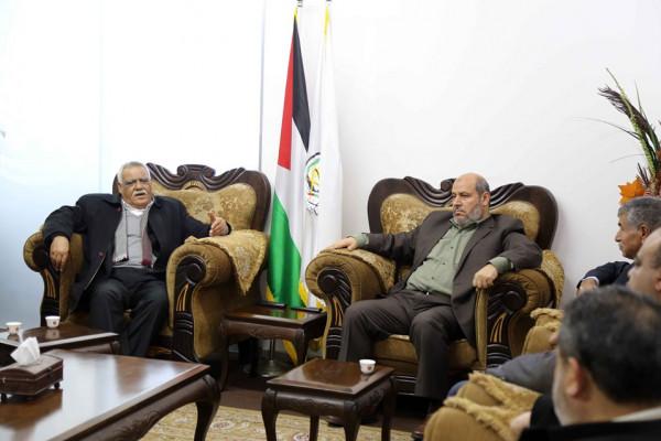 بالصور: الكشف عن تفاصيل لقاء وفدي حماس والديمقراطية بغزة