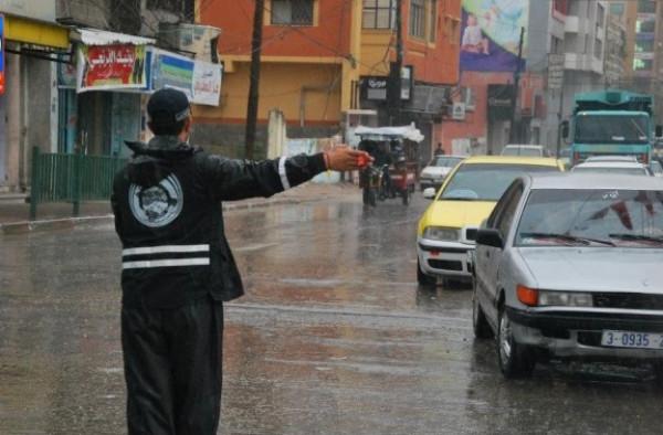 الشرطة الفلسطينية توجه تحذيرات للمواطنين خلال المنخفض الجوي