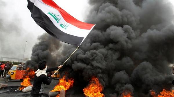 الدفاع المدني العراقي يحذر من خطر حرق الإطارات