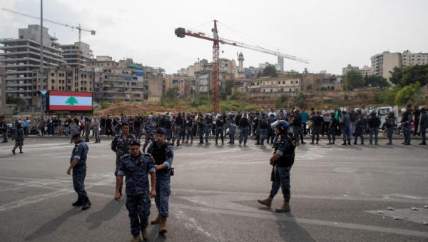 هُدوء حَذر وسط بيروت بعد مواجهات بين مُحتجين وقوات الأمن