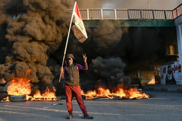 مهلة محتجي العراق انتهت وسط قطع لطرقات ببغداد واستنفار أمني